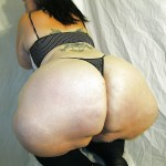 Gordita con enorme trasero