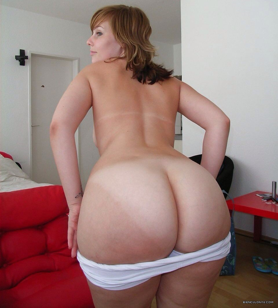 big-booty-white-moms-nude