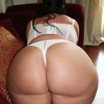 Super culona en tanga sexy blanca
