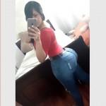 Selfie de culona en jeans