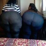 2 negritas muy rabudas en jeans apretados