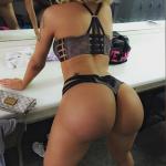 Chica en tanguita sexy