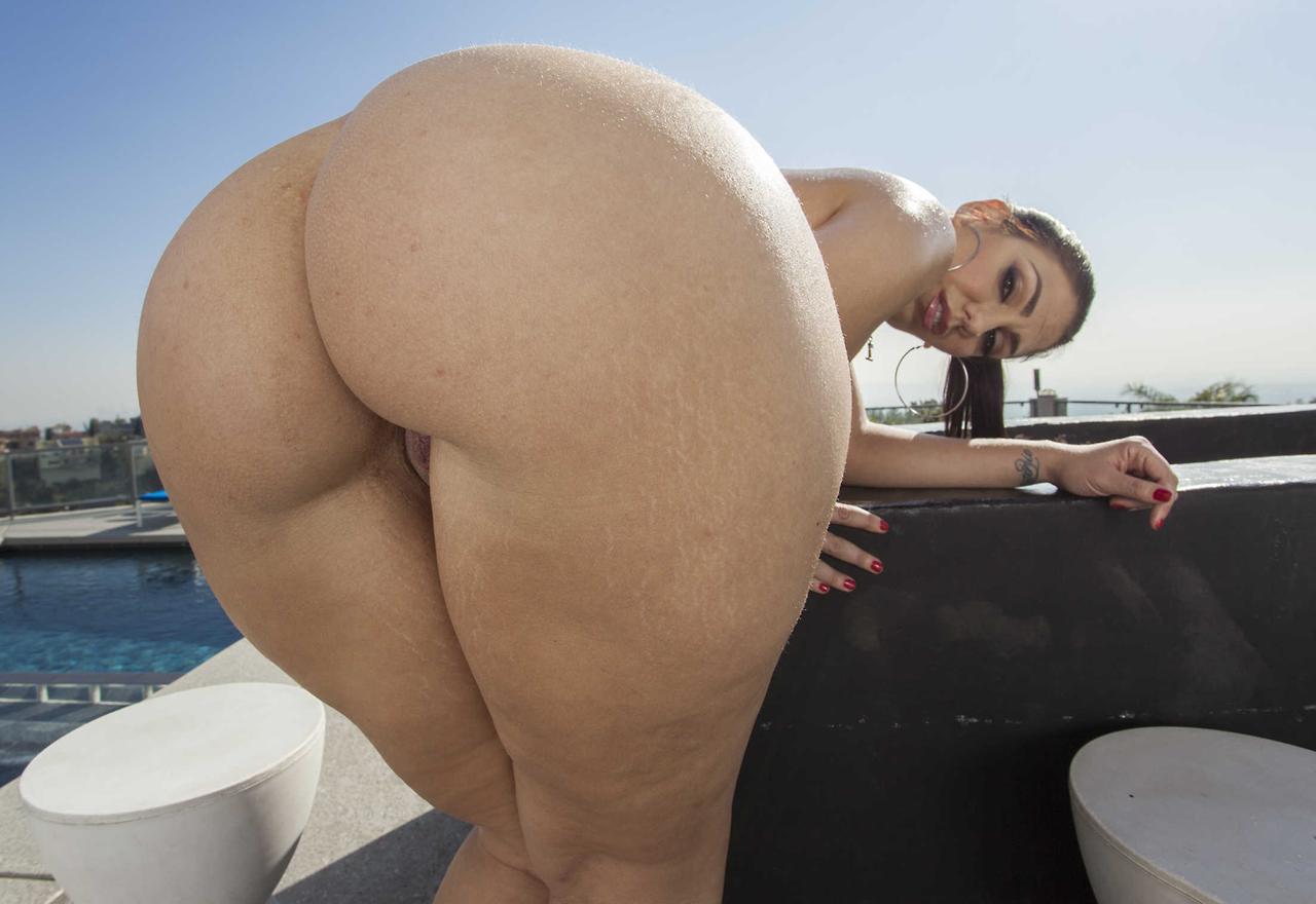 big booty girls nude