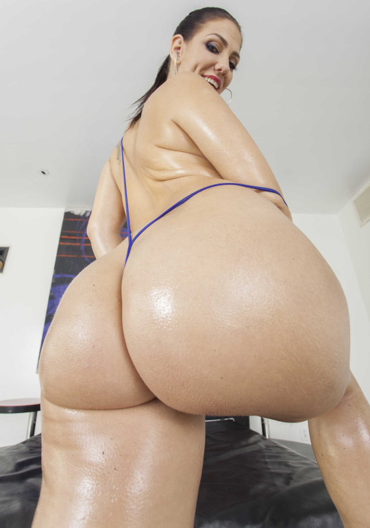 naked latinos women with phat asses