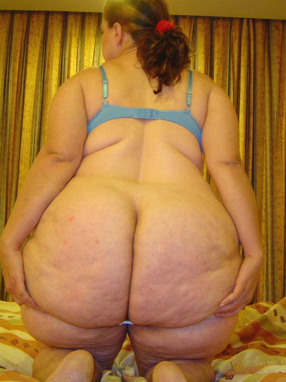 Mega big booty de madura de blanco - 2 part 9