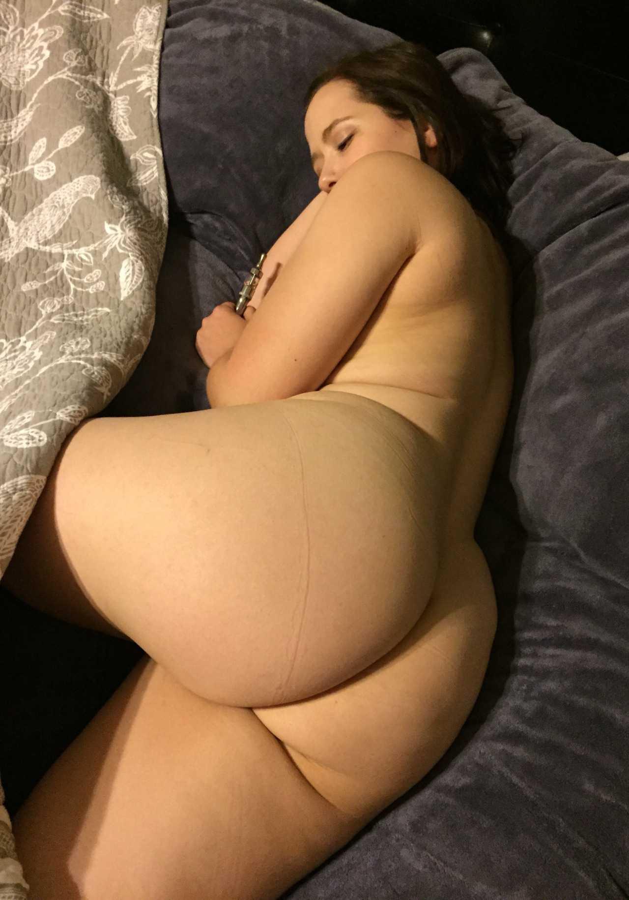 Las bellas nalgas de mi esposa - 2 4