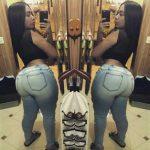 Alejandra Mercedes en jeans ajustados