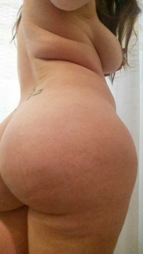 Foto de Chica culona desnuda selfie