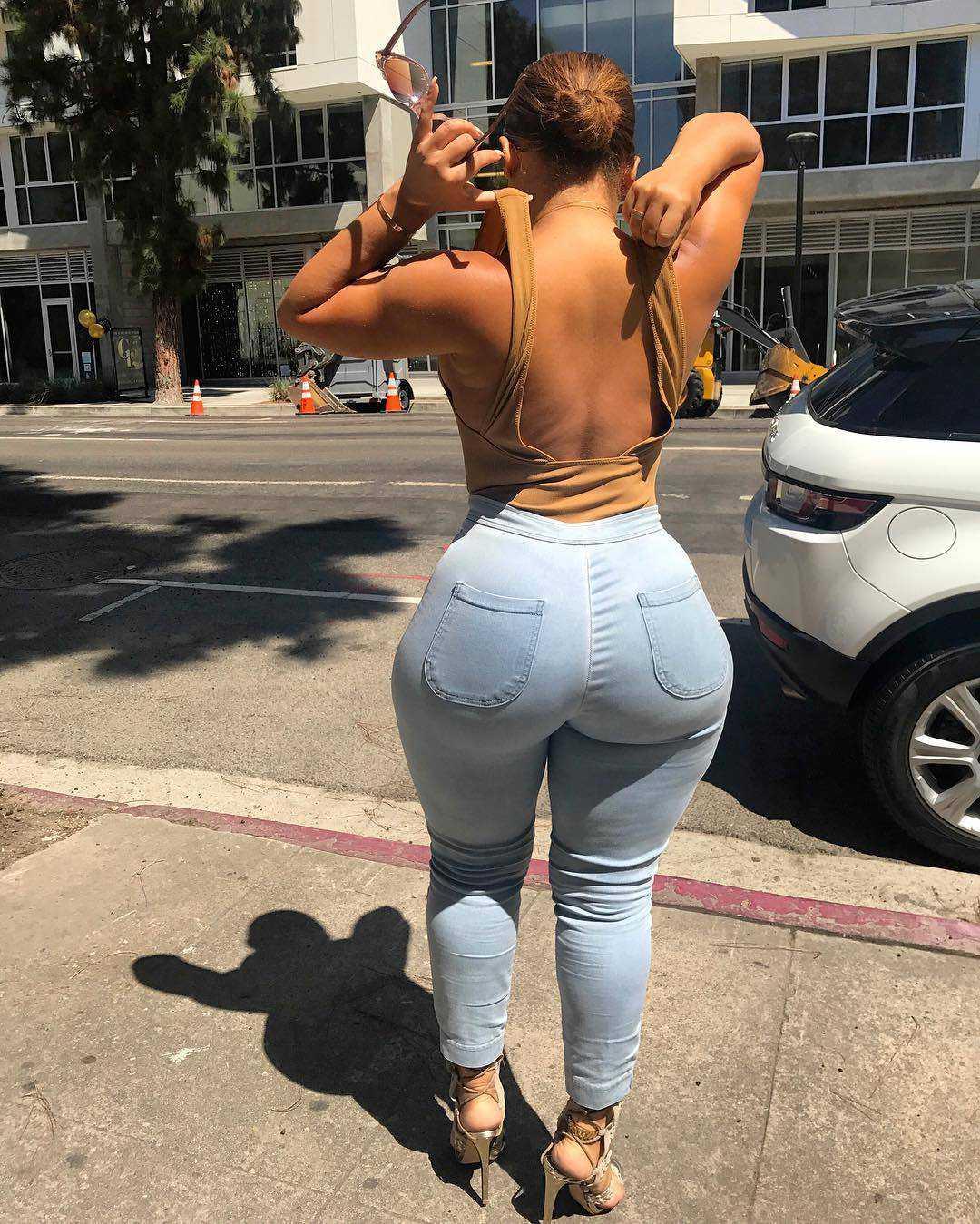 Hermosas Nalgonas en jeans ajustado mas gifs